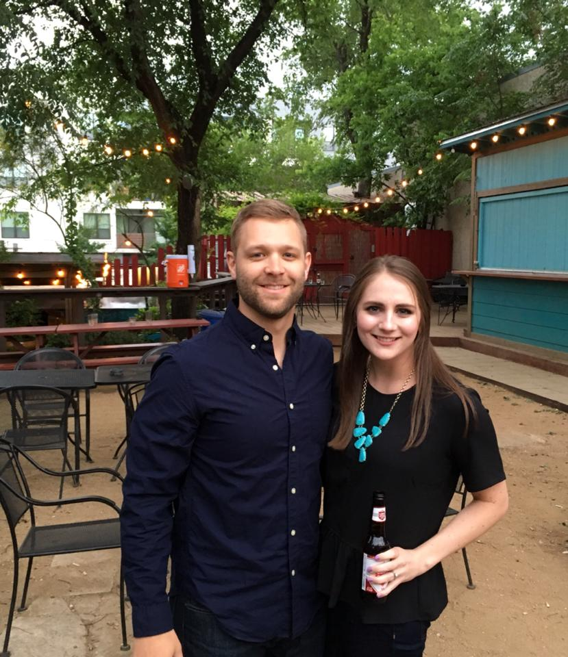 6th street bars in Austin Texas | A Memory of Us | Texas Road Trip Ideas | A night in Austin |