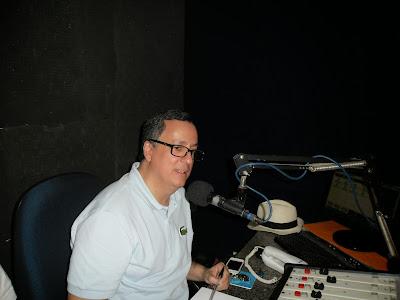 Resultado de imagem para fotos de theodorico neto na radio potengi