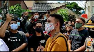 Memanas, Laskar FPl Minta Polisi Tinggalkan Petamburan: Keluar Lu!