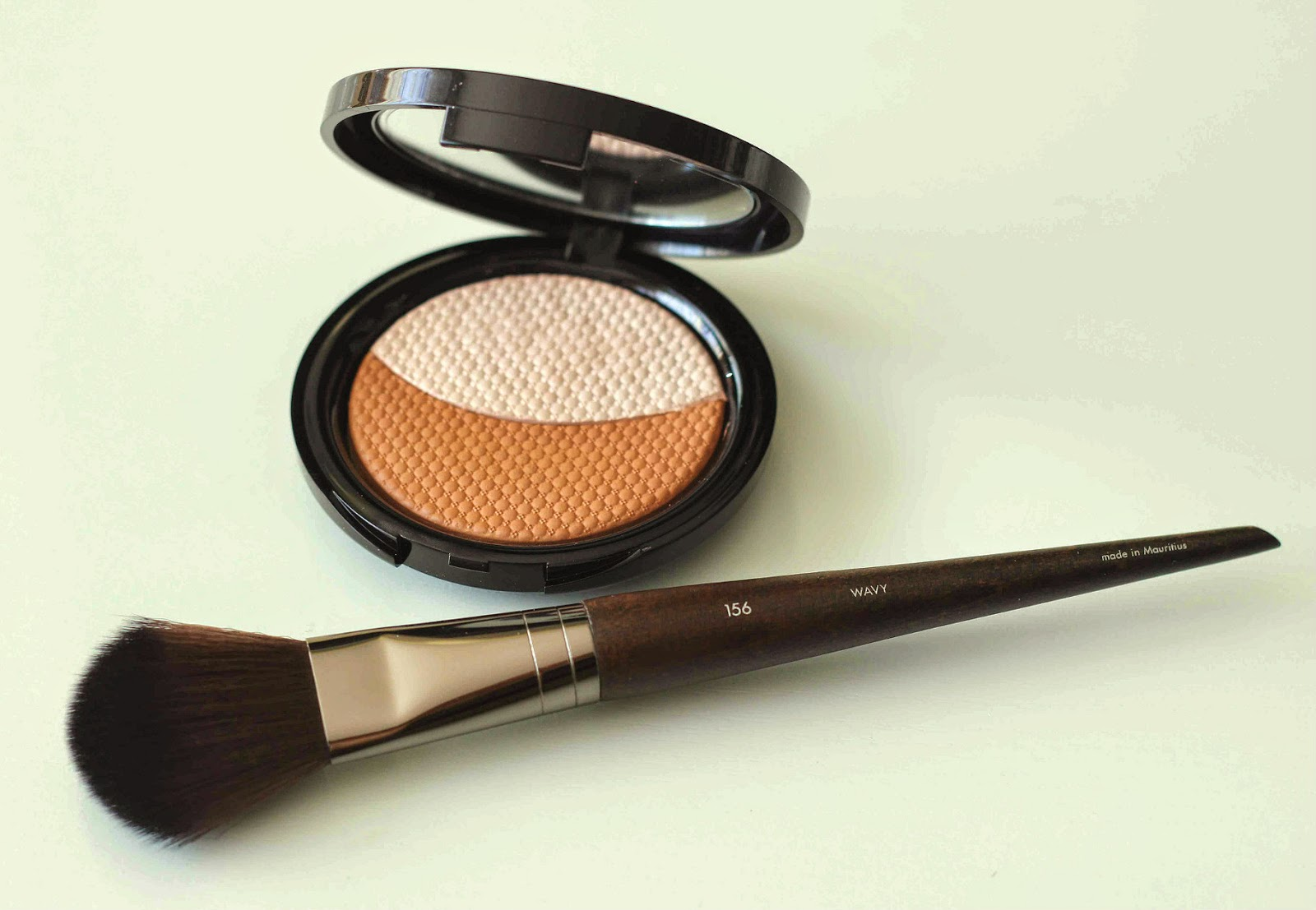 Make Up For Ever Pro Sculpting Duo in #1 Pink Beige and #156 Large Flat Blush Brush   Review