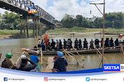 Jembatan Glendeng Diperbaiki, Jasa Penyeberangan Perahu Ketiban Rejeki
