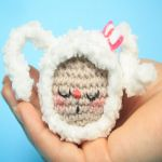 http://www.thesunandtheturtle.com/2016/07/kawaii-amigurumi-bunny-video-tutorial.html