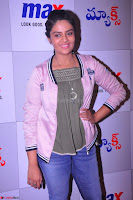 Sree Mukhi at Meet and Greet Session at Max Store, Banjara Hills, Hyderabad (32).JPG