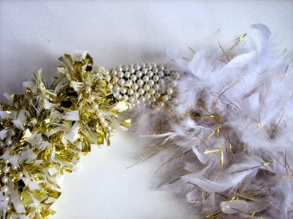 Making a gold wreath