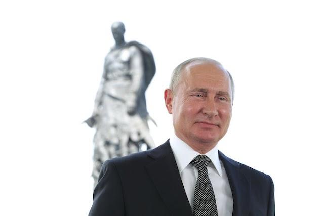 Putyin is bekeményít: meghosszabbította az EU-val szembeni élelmiszerembargót