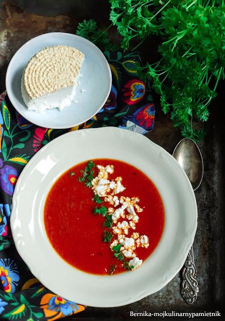 zupa, pomidory, pomidorowa, obiad, twarog, wedzony twarog,bernika, kulinarny pamietnik