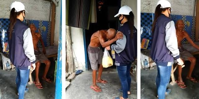 Hidup Seorang Diri, Kakek Tua Ini Mengamen dari Kampung ke Kampung Untuk Tetap Bisa Makan