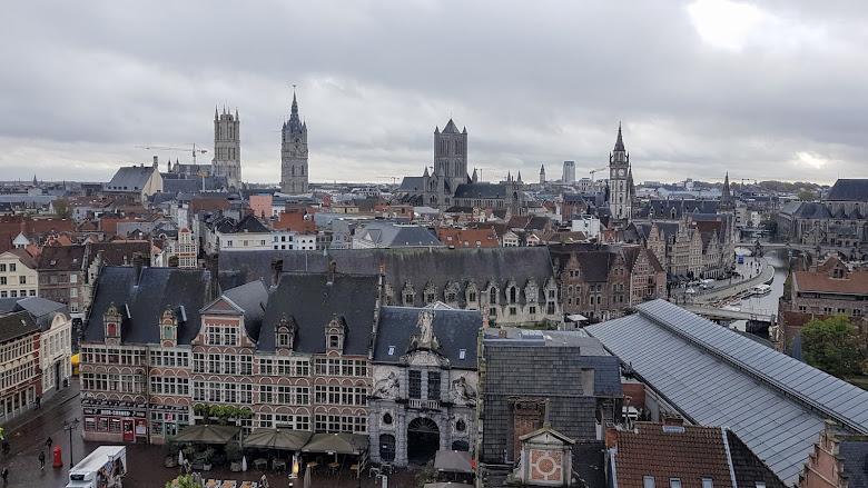 從城堡塔頂眺望市區