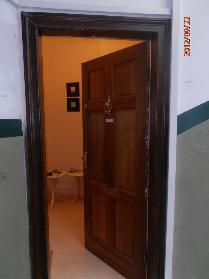 Glasgow-i lakás ajtó