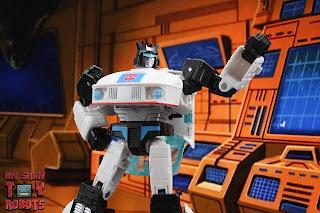 Transformers Studio Series 86 Jazz 11