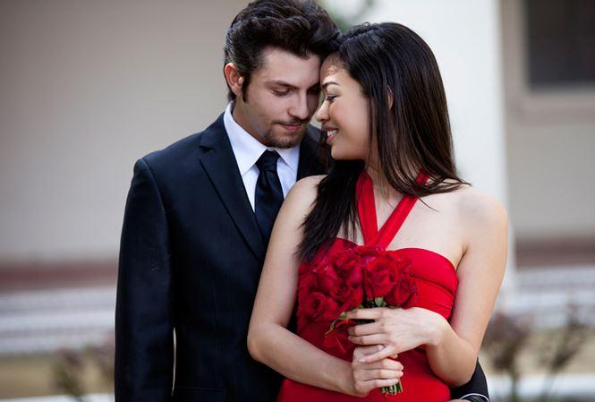 Vợ đi làm đẹp bắt gặp chồng đi công tác tại phòng nữ giám đốc cơ sở Spa