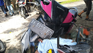 Seorang Pria Berbadan Buntal Jatuh Dari Sepeda Motor, Diduga Penyakit Jantungnya Kambuh
