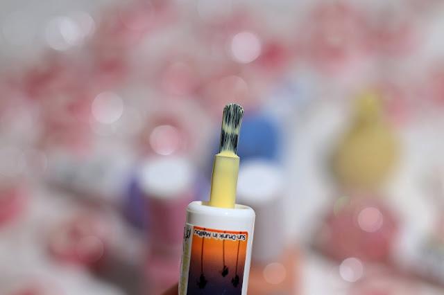 pastelowy lakier do paznokci