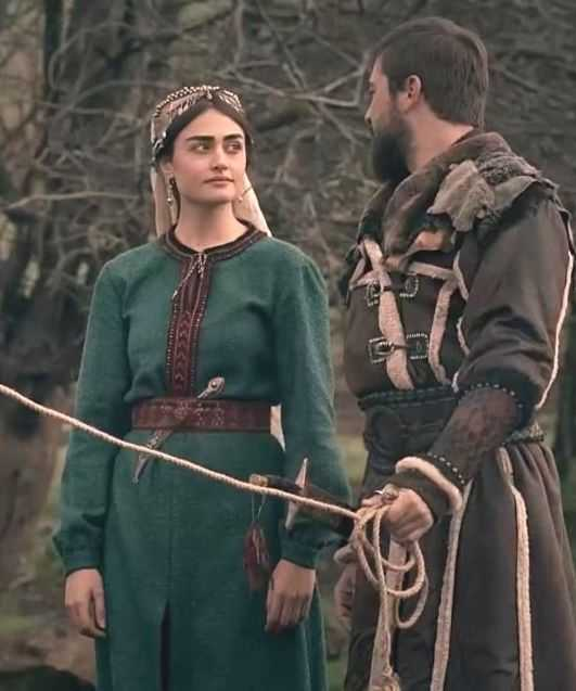 Halima Baji Wear Full Clothes! Pakistani fans Did not found Halima social profiles matching her role in Ertugrul Ghazi