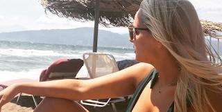 Η Έλενα Ασημακοπούλου ποζάρει με μαγιό κι αναστατώνει τα πλήθη