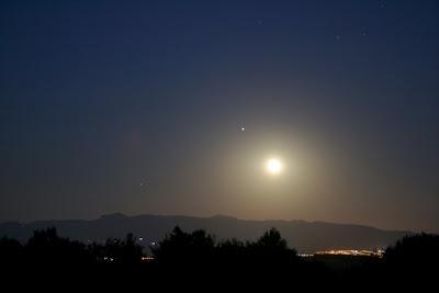 Lluna, Júpiter i Saturn sobre St. Llorenç del Munt - 05/07/2020