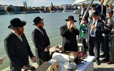 Judeus de cidade húngara comemoram inauguração de duas sinagogas no mesmo dia
