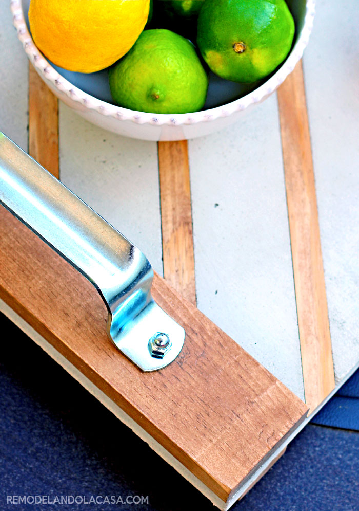 wood and concrete industrial serving tray #diyworkshop