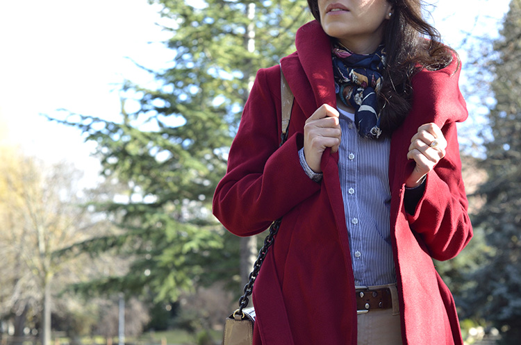 cherry-coat-nude-shoes-mocasines-camisa-look-blogger-trends-gallery
