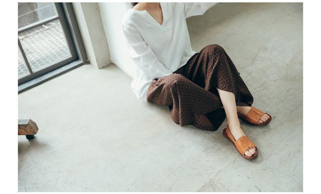 小節休息寬版涼鞋