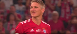الألمانى باستيان شفاينشتايجر يُعلن اعتزاله كرة القدم