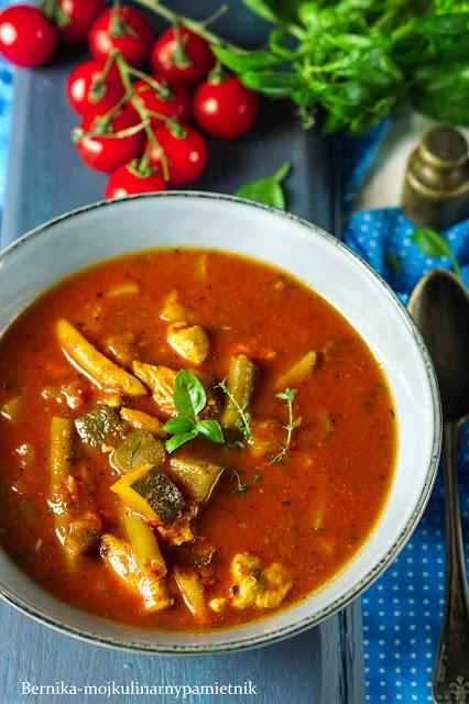 zupa, pomidory, kurczak, fasolka, cukinia, obiad, bernika, kulinarny pamietnik