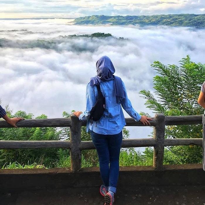 7 Tempat Wisata Terindah Di Indonesia Yang Dijuluki Negeri