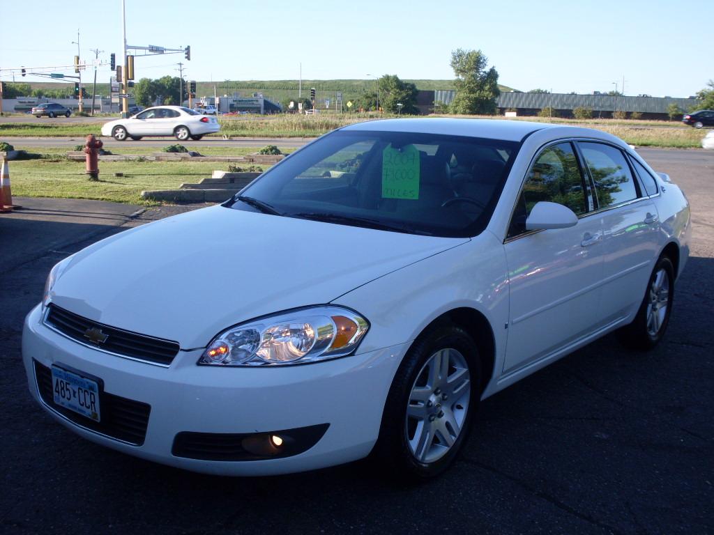 ride auto  impala white