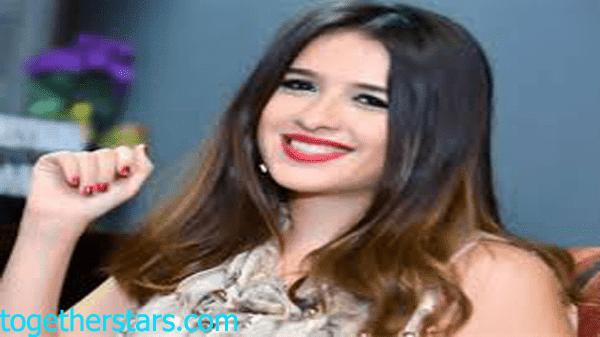 جميع حسابات ياسمين عبد العزيز Yasmin Abdel Aziz الشخصية على مواقع التواصل الاجتماعي