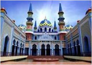 Berkunjung ke tempat wisata religi merupakan salah satu yang bisa anda lakukan untuk menyejukkan hati dan fikiran karena di tempat wisata religi banyak yang dapat anda temykan untuk hal tersebut.   Pada artikel ini saya berbagi informasi tentang tempat-tempat wisata religi yang bisa anda kunjungi di daerah ngawi.   Berikut 10 Tempat Wisata Religi di Ngawi Yang Wajib Anda Kunjungi  1. Masjid Tibun      Alamata : Jl. KH. Wachid Hasyim Jl. Anggur No.17, Sananrejo   Kec. Turen, Malang, Jawa Timur 65175, Indonesia    Masjid Tibun merupakan tempat wisata religi yang memiliki cerita (sejarah) yang unik yang perlu kita ketahui. Masjid Tiban memiliki gedung yang super megah yang letaknya terletak dalam permukiman warga yang jalannya cukup sederhana.     Tempat wisata religi ini memiliki jin yang dimaksud para pesantren Salafiyah Bihaaru Bahri yang berlokasi dikawasan Masjid Tiban Turen. Bagi yang masih ragu untuk memilih wisata religi Masjid Tibun adalah tempat yang pas untuk keluarga dan rombongan.      2. Gereja Pohsarang     Alamat : Jl. Raya Puhsarang Semen Kediri Jawa Timur  Salah satu tempat wisata religi di Ngawi yang tak kalah indahnya. Yang dapat kita melakukan Ibadah di Gereja Pohsarang tempatnya sangat indah dan sangat sejuk.     Gereja Pohsarang merupakan gereja Katolik yang bangunannya sangat kokoh dan terbuat dari beton yang unik.     Bangunan ini terletak di lereng Gunun Wilis. Di tempat wisata regili gereja katolik terdapat Gua Maria Pohsarang.      3. Maha Vihara Mojopahit    Tempat Wisata : Gg. I, Siti Inggil, Bejijong  Kec. Trowulan, Mojokerto, Jawa Timur 61362, Indonesia    Tempat wisata religi yang satu ini adalah tempat wisata yang tidak perlu mengeluarkan biaya karena gratis tetapi untuk menjaga kebersihan kita hanya bayar Rp 3000,- untuk orang dewasa dan untuk anak-anak hanya bayar Rp 2000,- dan untuk biaya parkir roda dua Rp 2000,- dan roda empat Rp 5000,- demi keamanan kita saat berwisata.     Di tempat wisata religi memiliki kolam yang berisi ikan 