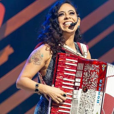 ReZenha Musical recebe Adriana Sanchez