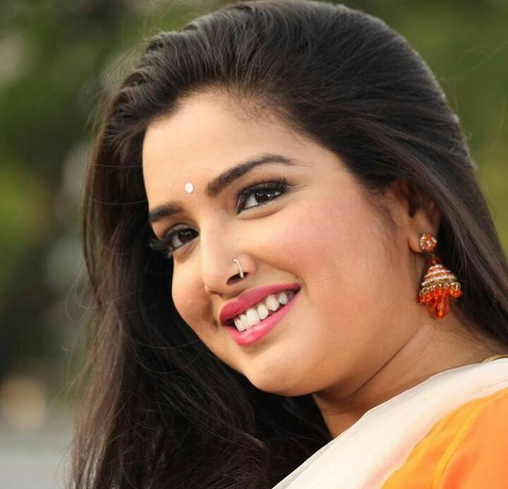 Amrapali dubey beautiful smile
