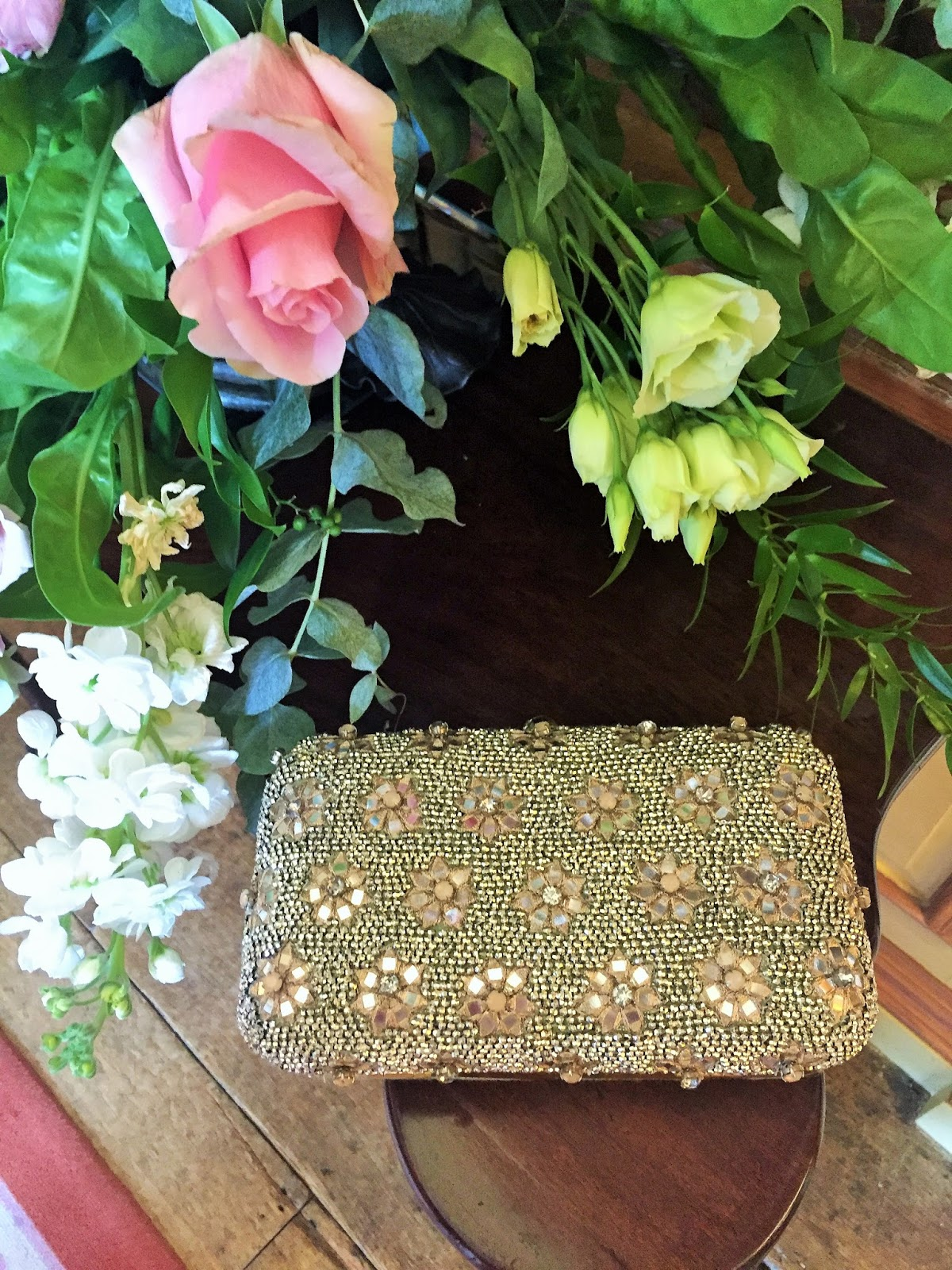 The Dress of Dreams 6 - Accessorize Clutch