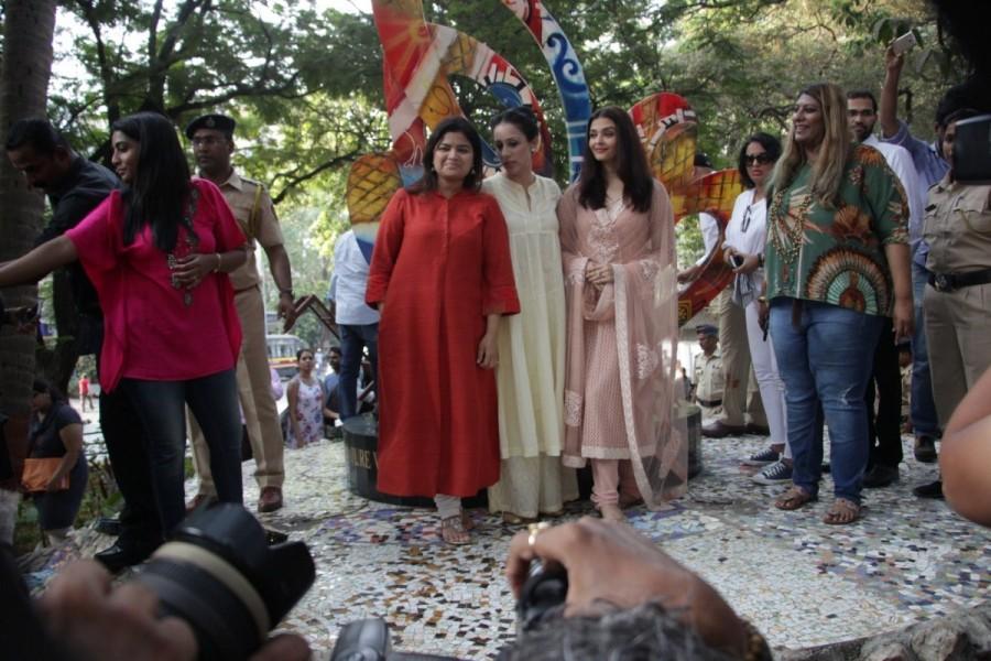 Aishwarya Rai Bachchan Inaugurates The Paradise Garden at Mumbai