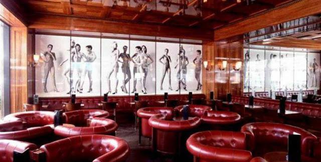 Newton Bar em Berlim