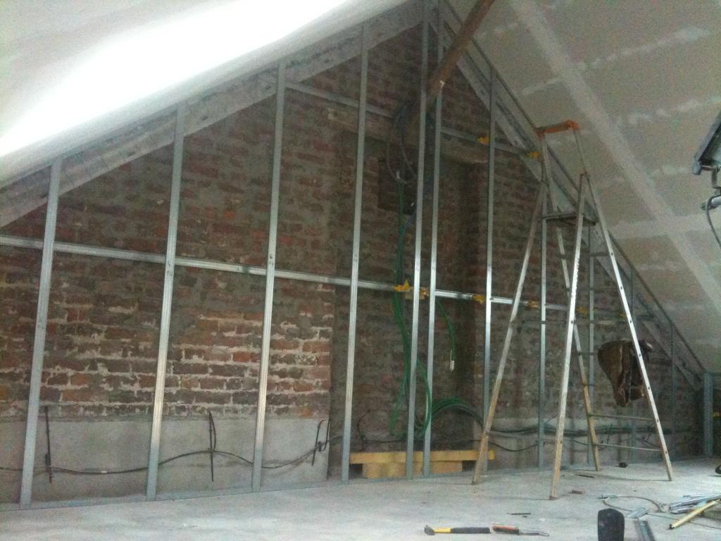 la grange qui deviendra loft l 39 isolation des murs p riph riques. Black Bedroom Furniture Sets. Home Design Ideas