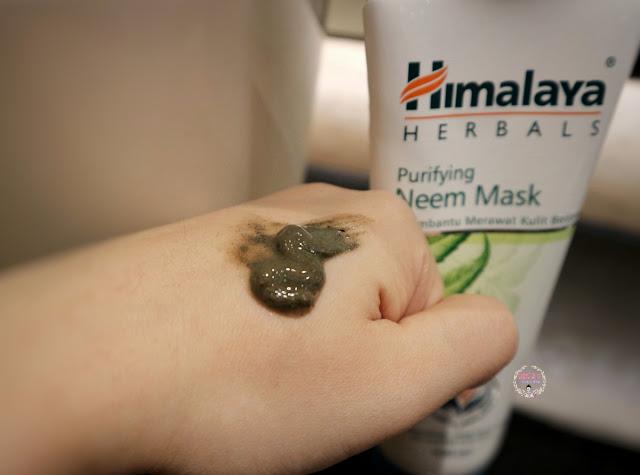 Himalaya Purifying Neem Mask Texture
