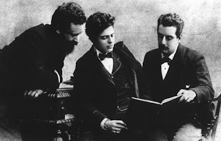 Mascagni, centre, at a meeting in 1885 with his fellow  musicians Alberto Franchetti (left) and Giacomo Puccini