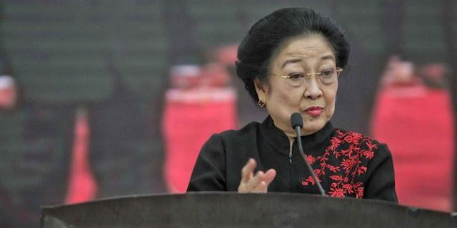 Megawati Sebut Ganti Pemerintah Tak Akan Selesaikan Masalah