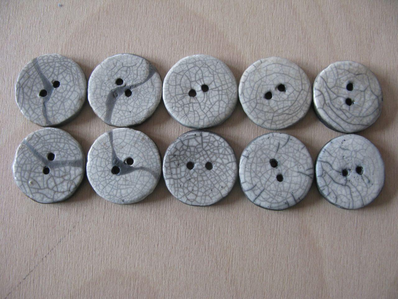 siebensachen zum selbermachen stoffspielereien im juni kn pfe. Black Bedroom Furniture Sets. Home Design Ideas