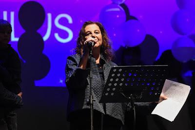 Stefania Sandrelli recita Mia Neri