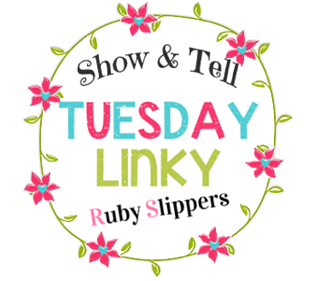 http://www.rubyslippersblogdesigns.com/2014/07/moving-header-show-tell-linky.html