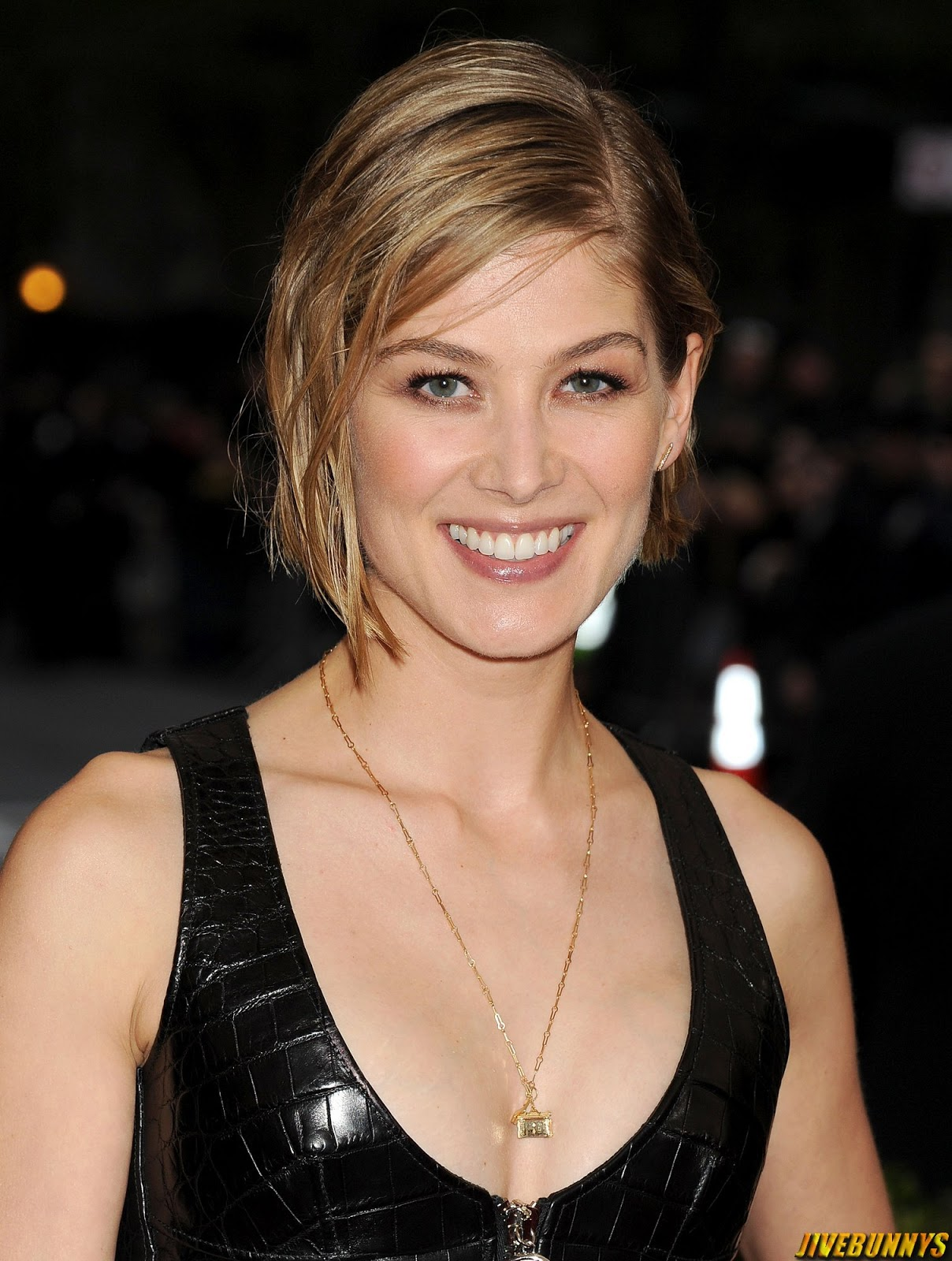Rosamund Pike Nude Photos
