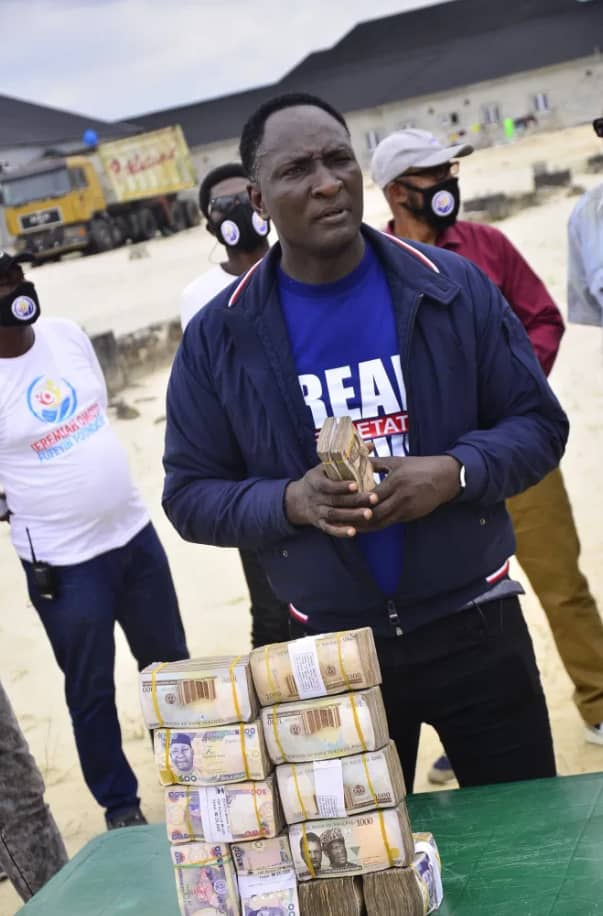 Meet The Only Nigerian Prophet who do not only Pays his Workers/Followers Salary, but Also Blesses Them with Cash Gifts Monthly [Watch Video]