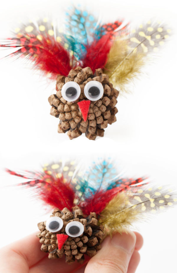 Pine cone turkey crafts for kids.  Preschoolers will love the leaf turkey! #pineconecrafts #pineconeturkey #pineconeturkeycraft #pineconeturkeysforkids #pineconeturkeyshowtomake #leafturkey #leafturkeycraft #turkeycraftsforpreschool #turkeycraftskids #fallcrafts #growingajeweledrose #activitiesforkids