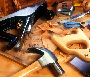 "What Are Types of Hand Tools? Complete List of Hand Tools for Woodworking"" as envisioned by Kenneth C. Agudo. We'll try not to slap Kenny around much fro his English, although we suspect that he's one of those outsourced customer-support people in the Philippines..."