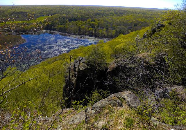 Traprock Ridge - Mattabesett Trail - Guilford CT