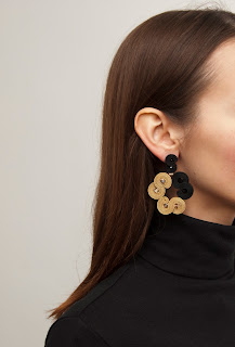 black-gold-chandelier-earrings-soutache