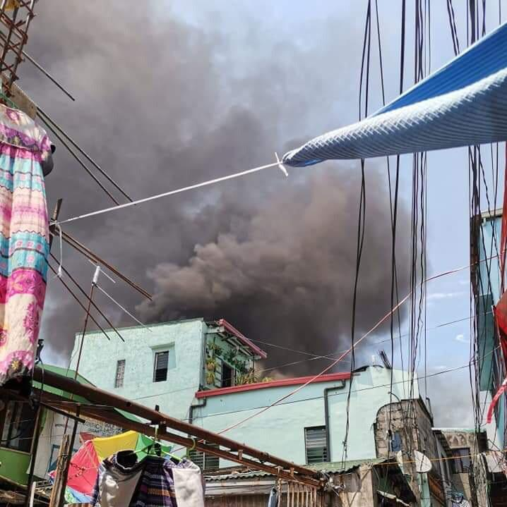Fire hits residential area in Pasay