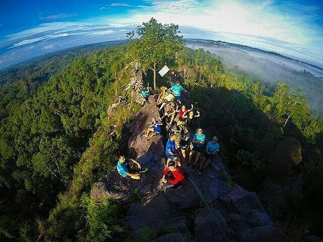 Bukit Batu Dinding Kalimantan